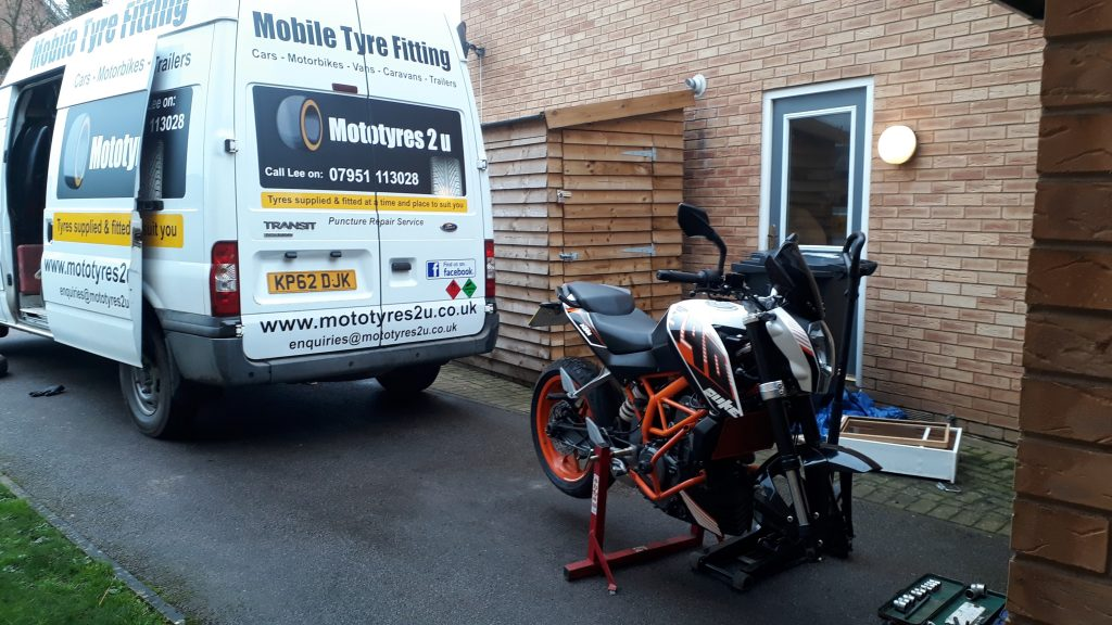 Moto tyres holbeach lincolnshire motorbike tyre fitting replacement