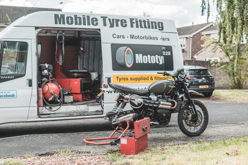 Lee Cooper Holbeach Motorcyle tyres mototyres 2 u
